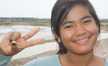 young_woman_at_salt_village_20130613_1664317697